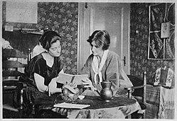 Frieda Belinfante and Henriëtte Hilda Bosmans.jpg