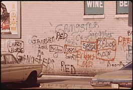 GRAFFITI ON A WALL IN CHICAGO. SUCH WRITING HAS ADVANCED AND BECOME AN ART FORM, PARTICULARLY IN METROPOLITAN AREAS.... - NARA - 556232.jpg