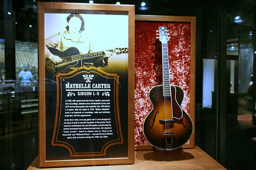 Gibson L-5 (1928), Maybelle Carter, CMHF