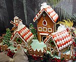 Gingerbread Houses (31296771153).jpg