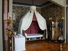 """Von August entworfenes """"Napoleon-Zimmer"""" auf Schloss Friedenstein (Quelle: Wikimedia)"""