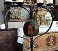 Grënnesch Kierch Detail Käerzeliichter.jpg