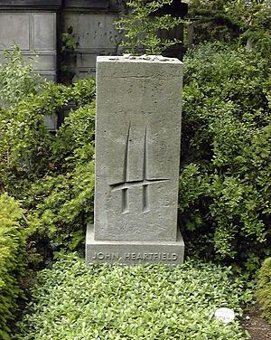 John Heartfield - Grave of John Heartfield in Berlin