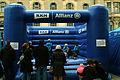 Hüpfburg der KKH Allianz auf dem Trammplatz während des TUI Hannover-Marathons 2012.jpg