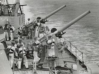 QF 4 inch Mk V naval gun - QF 4 inch HA guns aboard the cruiser HMAS ''Sydney'', 1939-1940