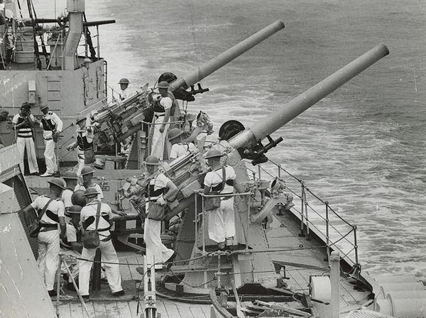 QF 4-inch naval gun Mk V - WikiMili, The Free Encyclopedia