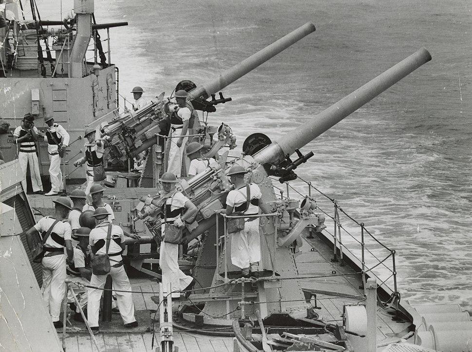HMAS Sydney 4 inch guns SLV H98.105 3249