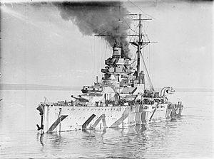 HMS Ramillies (07) - Image: HMS Ramillies WWI IWM SP 1718