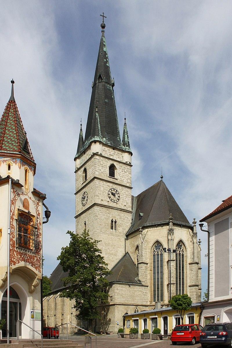 800px-Haag_Kirche.JPG