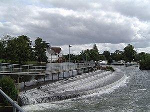 Hambleden Lock - Weir, mill and walkway at Hambleden