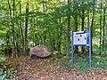 Hanerau-Hademarschen Gutspark Gedenkstein.jpg