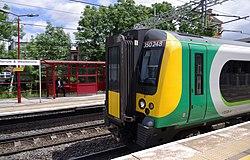 Harrow and Wealdstone station MMB 02 350248.jpg