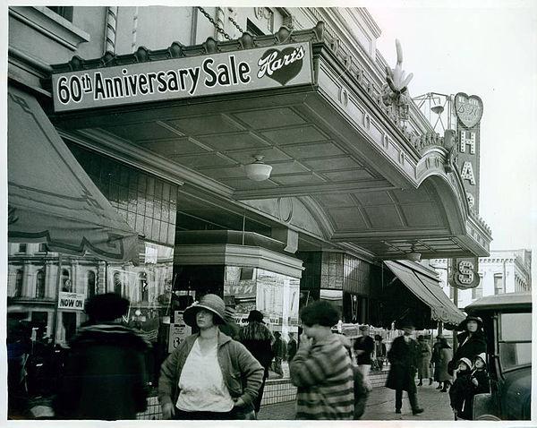 Harts Department Store, San Jose, California 1926.jpeg