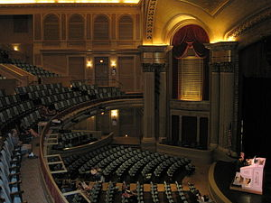 Hawaii Theatre - Image: Hawaii Theatre interior ocean side
