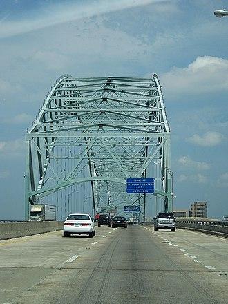 Hernando de Soto Bridge - Image: Hernando De Soto Bridge Memphis TN 018