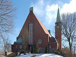 Hjorthagens kyrka Stockholm gavel entre 20060401.jpg