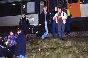 Hoofddorp train accident - People leaving the international train that derailed at nearly the same location two days earlier