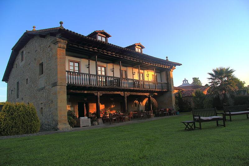 File:Hotel Palación de Toñanes, Alfoz de Lloredo . CANTABRIA.JPG