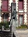 Houdan (78), monument aux morts, rue de Paris 2.jpg