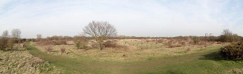 Panorama de 4 fotos em Hounslow Heath, oeste de Londres.