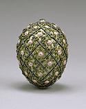 Casa de Fabergé - Rose Trellis Egg - Walters 44501.jpg