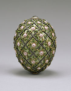 House of Fabergé - Rose Trellis Egg - Walters 44501.jpg