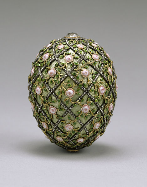 File:House of Fabergé - Rose Trellis Egg - Walters 44501.jpg
