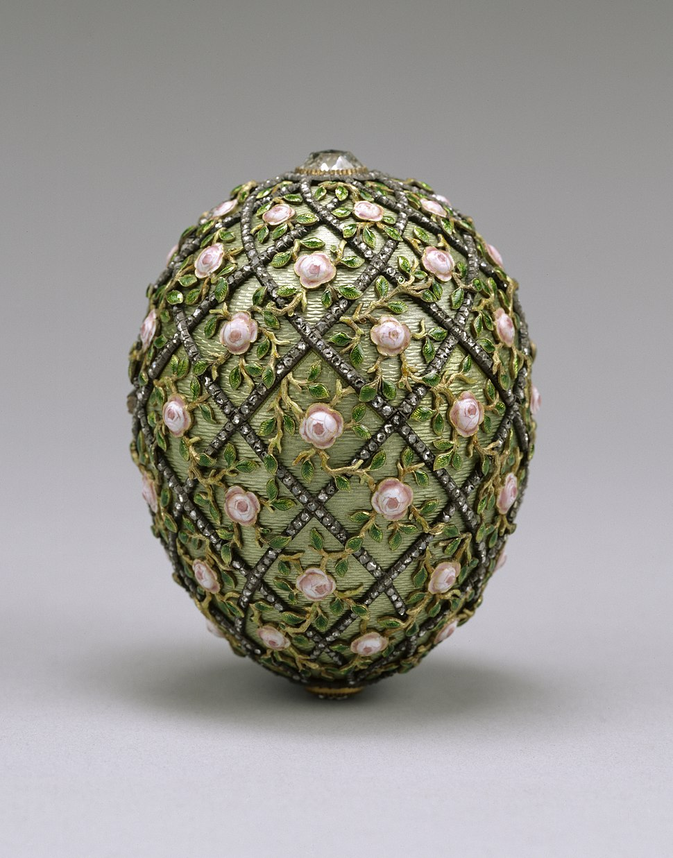 House of Fabergé - Rose Trellis Egg - Walters 44501