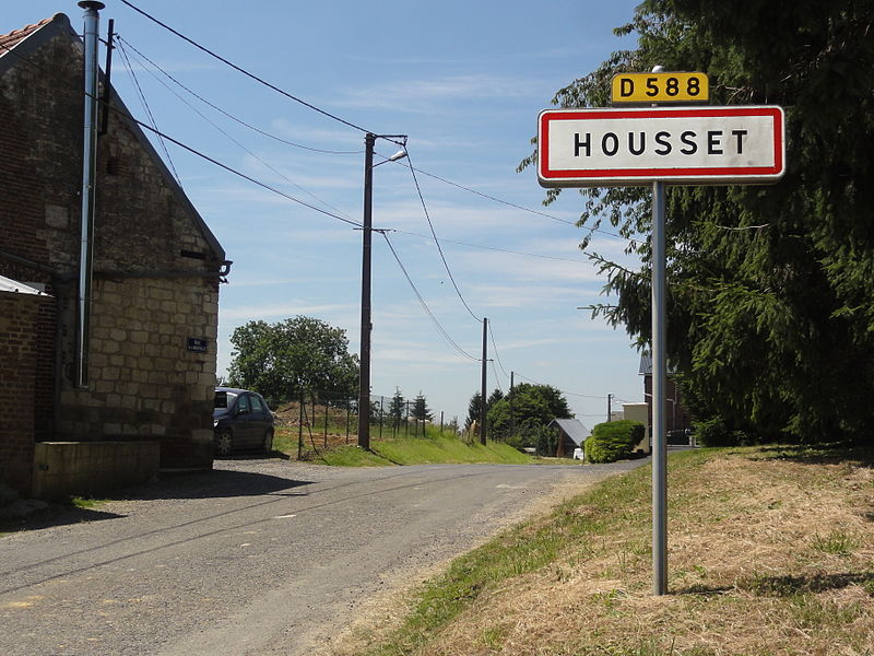 Housset Housset (Aisne) city limit sign