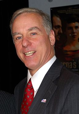 Howard Dean (cropped)