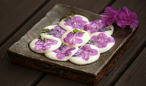 Hwajeon - Jindallae-hwajeon (pan-fried Korean rhododendron rice cakes)
