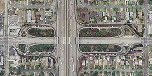 Cloverleaf interchange - Image: I 10 at Garfield Avenue