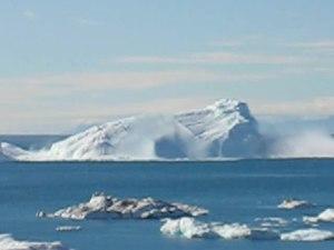 File:Iceberg calving 640x480 by Slaunger 2007-08-23.ogv