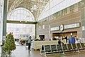Interior of Oakland Jack London Square station, December 2001.jpg