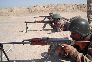 RPK - Iraqi soldiers training with the Romanian Model-1964 (RPK).