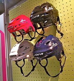 Ishockeyhjälmar från Jofa. 38fef9807344e