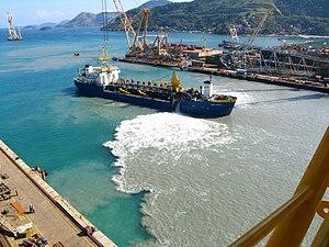 Siltation - Siltation caused by sewage sludge from shipyard – Rio de Janeiro.