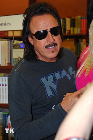 Pro wrestling manager Jimmy Hart at a Chapters...