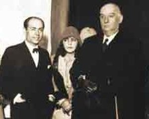 "José Fioravanti - Fioravanti and his wife, Ludvilla, pose with President Marcelo Torcuato de Alvear during a 1928 exhibit. Alvear had the noted sculptor create wall reliefs for the Casa Rosada, whose interiors seemed ""cold and denuded."""