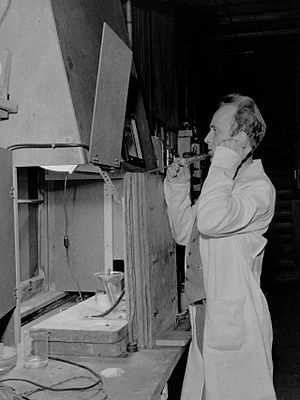 Human radiation experiments - Image: Joseph Hamilton with radio sodium experiment 97401413