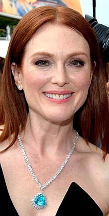 Julianne Moore Cannes 2018.jpg