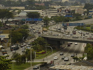 Kuala Lumpur Middle Ring Road 1 - The Jalan Istana interchange on the KL–Seremban Highway in 2007, before the construction of the Sungai Besi Expressway extension and link.