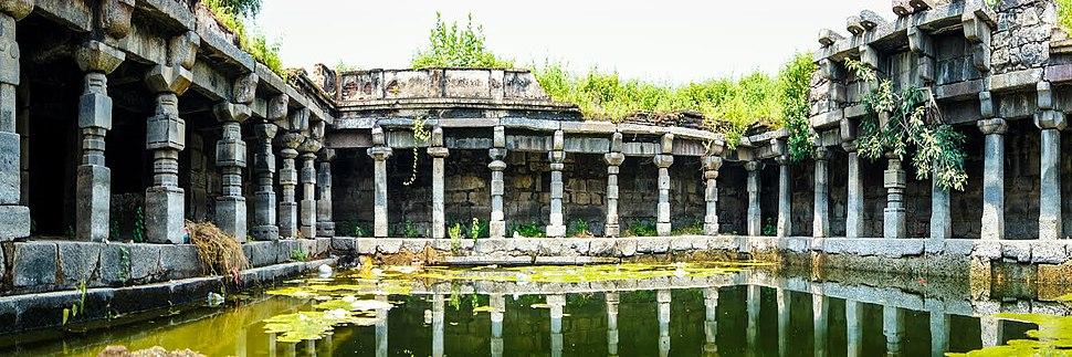 Kakatiyas well at warangal