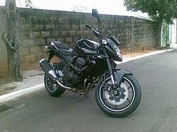 Kawasaki Z750 Black.jpg