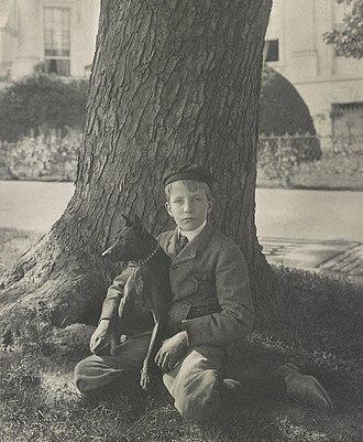 Kermit Roosevelt - Kermit Roosevelt and his dog Jack, 1902