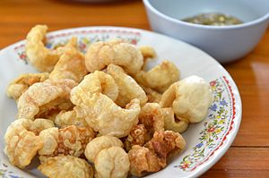 Pork rind - A bowl of pork rinds in Thailand
