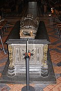 King John's Tomb, Worcester Cathedral (14439717140).jpg