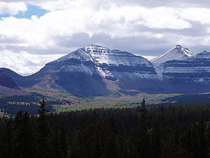 Kings Peak (Utah) - Close-up of Kings Peak as seen from the Henry's Fork Basin. Kings Peak is on the right, with Gunsight Pass on the left.