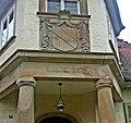 Kirschgartshausen Wappenstein Inschrift Haus Nr 14.jpg