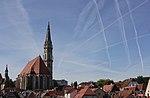 Kondensstreifen ueber der Steyrer Altstadt 1.jpg